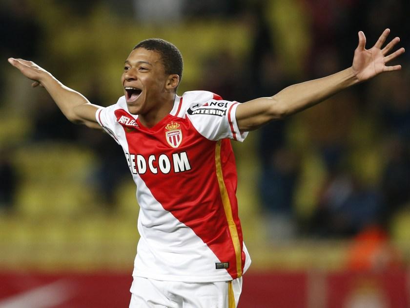 Mbappe esulta al primo gol