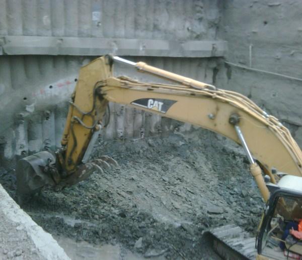 JOB 157 – Caldecott Tunnel Grading – Photo 7