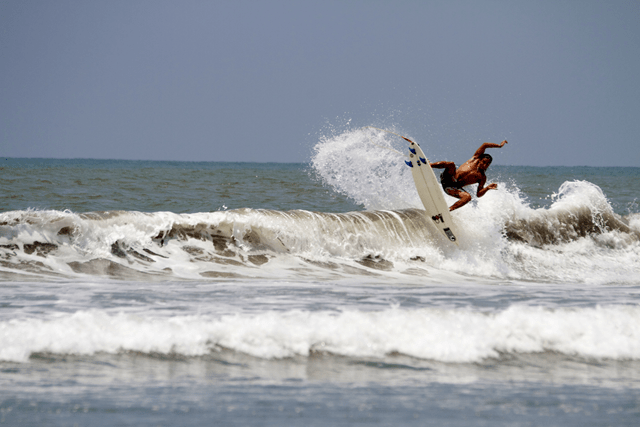 sp-dominical-surf-by-vela-3-2