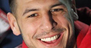 Aaron Hernandez Settles