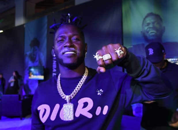 Antonio Brown Dropped from Nike