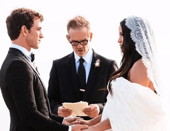 Alex Fine and Cassie Get married