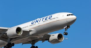 United Airlines passenger aircraft - Boeing 777