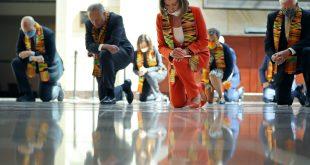 House Democrats Kneel