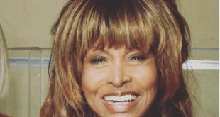 Tina Turner (IG Selfie)