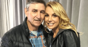 Britney Spears and her father Jamie Spears (Selfie)