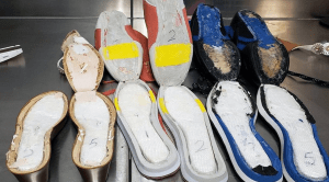 Image of cocaine in shoes of woman - photo from border officials