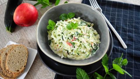 Geschmackvoller Zucchinisalat-Party Salat-ballesWorld