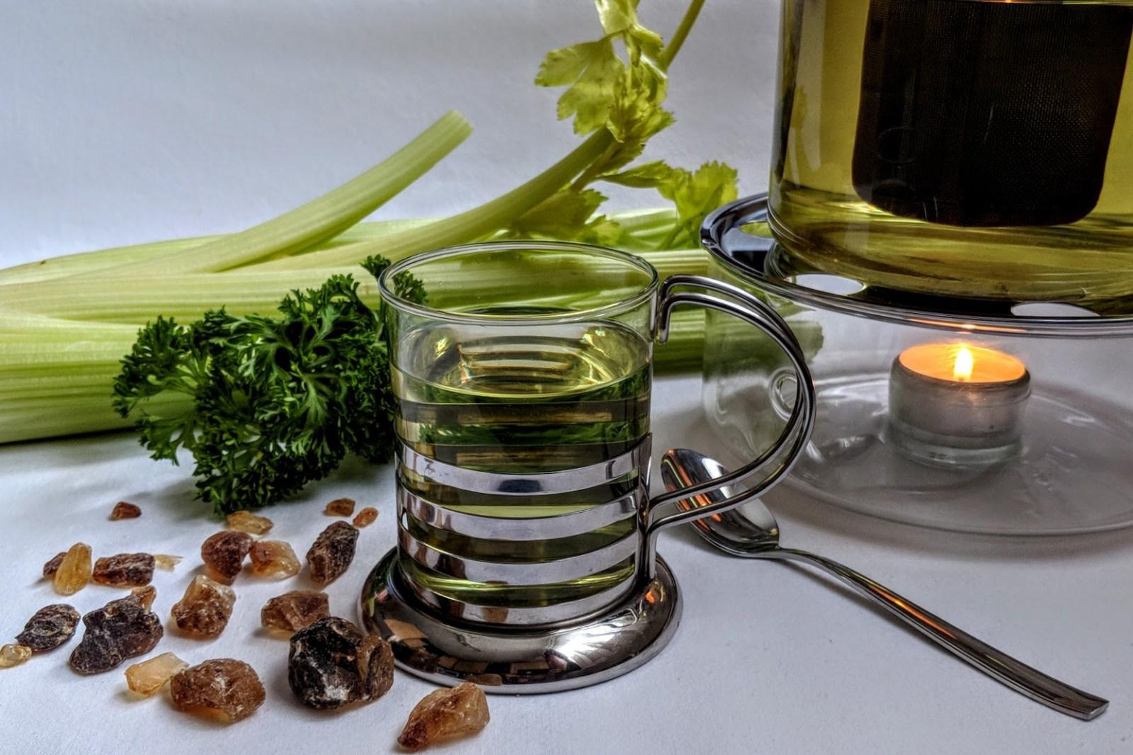 Petersilie-Sellerie-Tee-Rezept