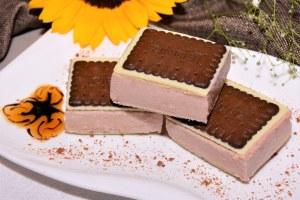 Keks Kuchen mit Brombeeren