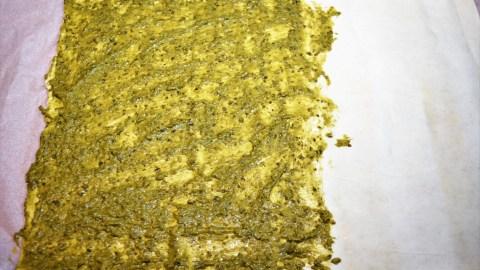 Blätterteigtaschen mit Pesto