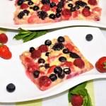 Beeren Pizza mit weißer Schokolade Rezept