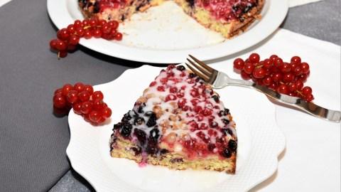 Prosecco Johannisbeeren Kuchen