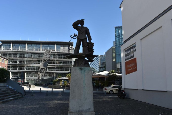 Hans Albers Denkmal