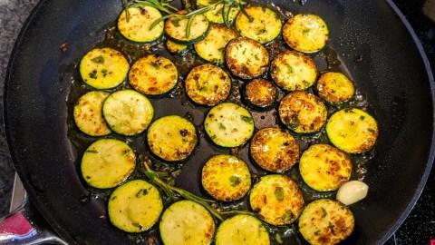 Gnocchi Salat mit gebratenem Gemüse