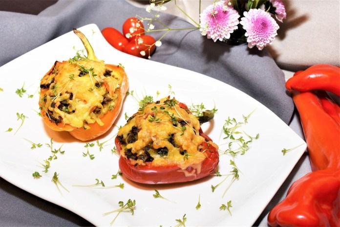 Gefüllte Paprika mit frischen Kartoffeln Snack