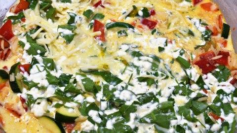 Reisauflauf mit buntem Gemüse Soße