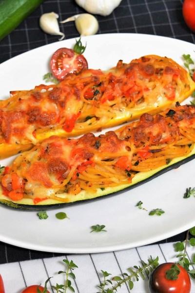Überbackene Zucchini mit Spaghetti Füllung -Rezept-ballesworld