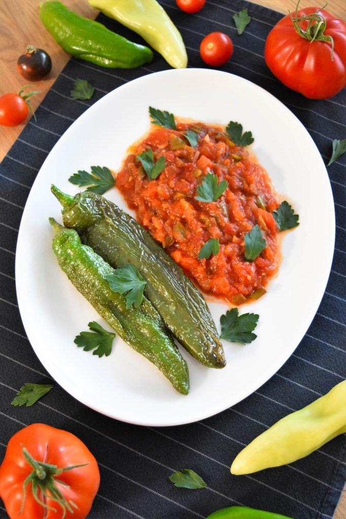 Gebratene Paprika und Tomaten-Gesund-ballesworld