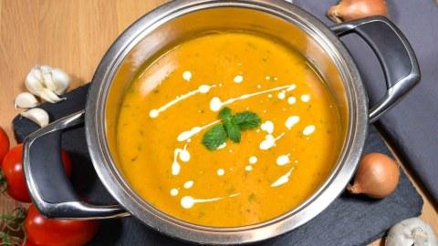Kichererbsen Cremesuppe mit frischer Minze