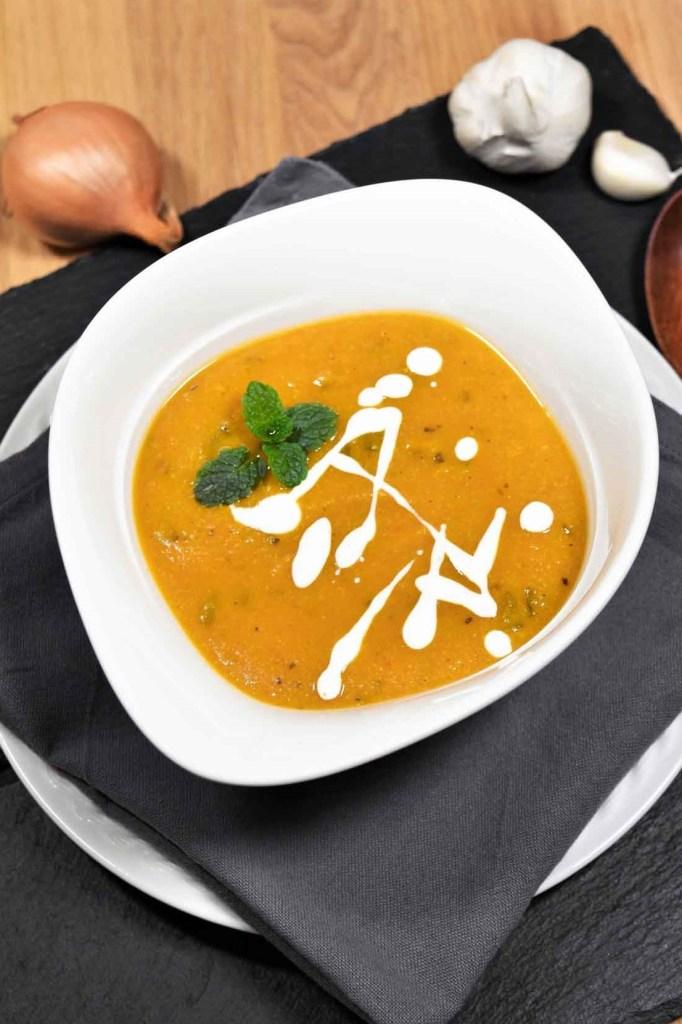 Kichererbsen Cremesuppe mit frischer Minze-Vegetarisch-ballesworld