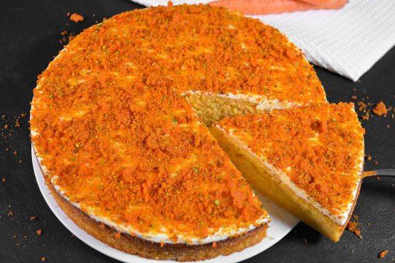Möhren Orangen Kuchen mit Crunch-Rezept-ballesworld