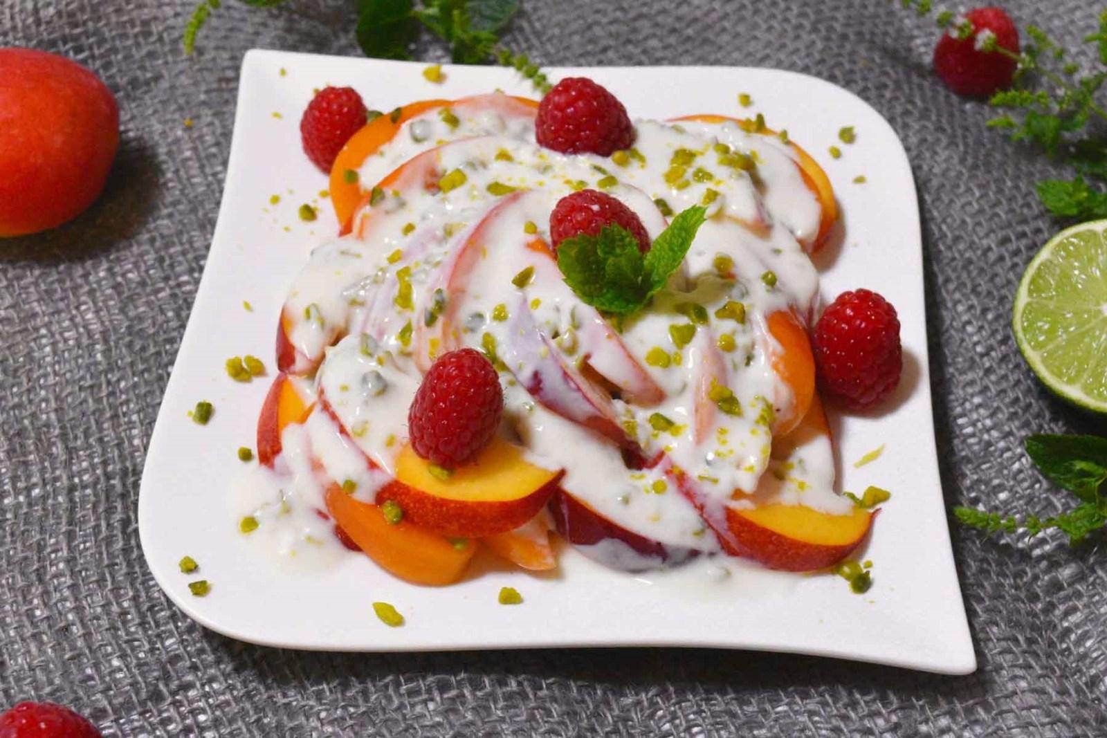 Aprikosen Nektarinen Salat mit Joghurtdressing-Rezept-ballesworld