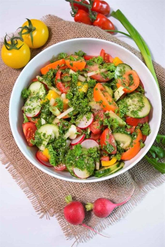 Bunter Salat mit Rucola Dressing-Vegan-ballesworld