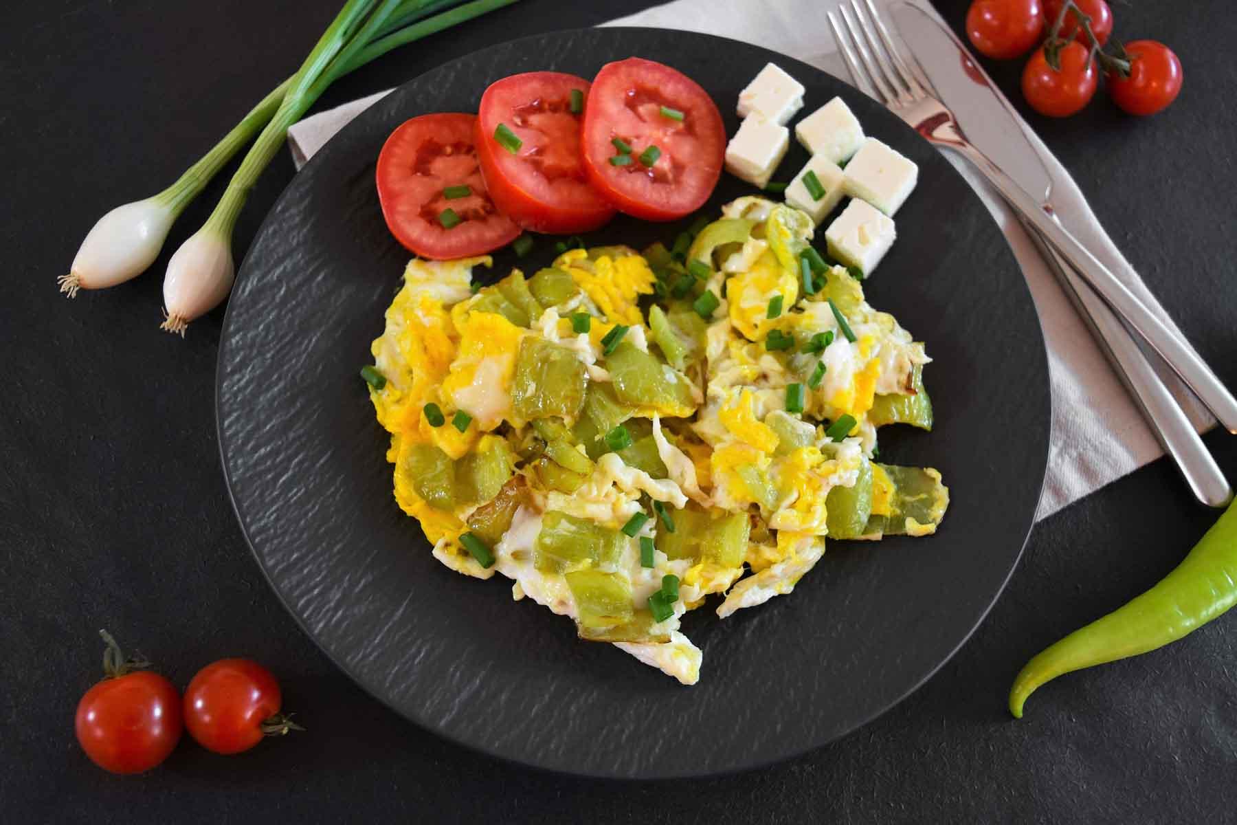 Paprika mit Ei nach mazedonischer Art