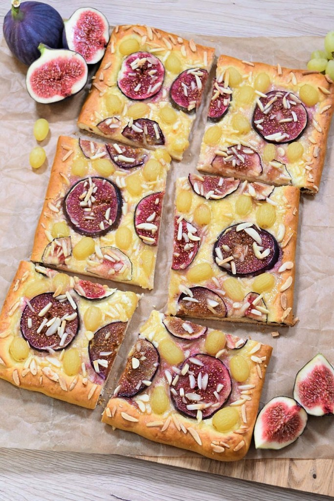 Feigen-Trauben Blechkuchen-Hefeteig Kuchen-ballesworld