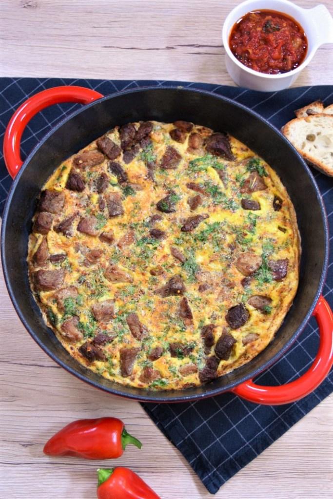 Gebackenes Fleisch mit Eiern nach mazedonischer Art-Hauptgericht-ballesworld