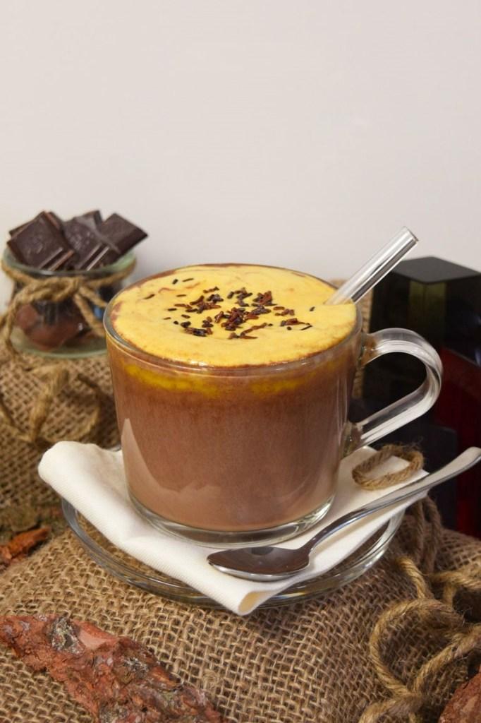 Heiße Schokolade mit Sanddornhaube-Warme Getränke-ballesworld