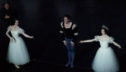 Stéphane Bullion entouré d'Amandine Albisson et Hannah O'Neill
