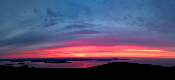 Cadillac-Mountain-sunrise-Acadia-National-Park-Maine-panorama