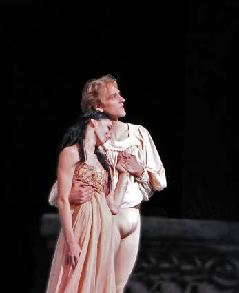 Natalia-Osipova-David-Hallberg-Romeo-and-Juliet-6-14-13 d