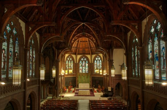 Holy-Trinity-Episcopal-Church-nave (1)