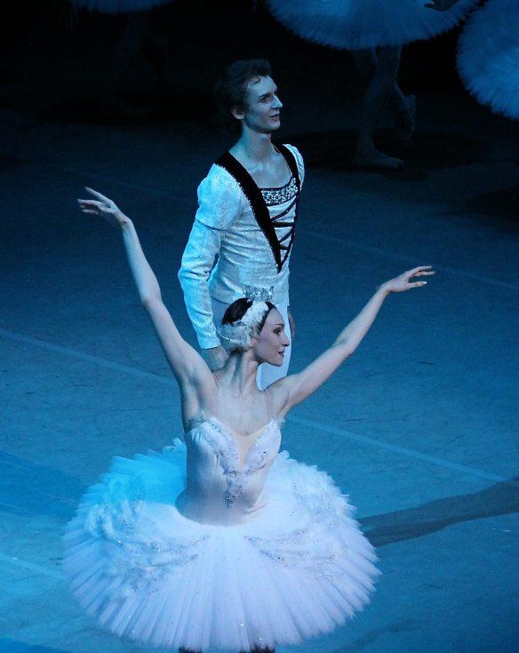 Olga-Smirnova-Semyon-Chudin-Swan-Lake-7-18-14d