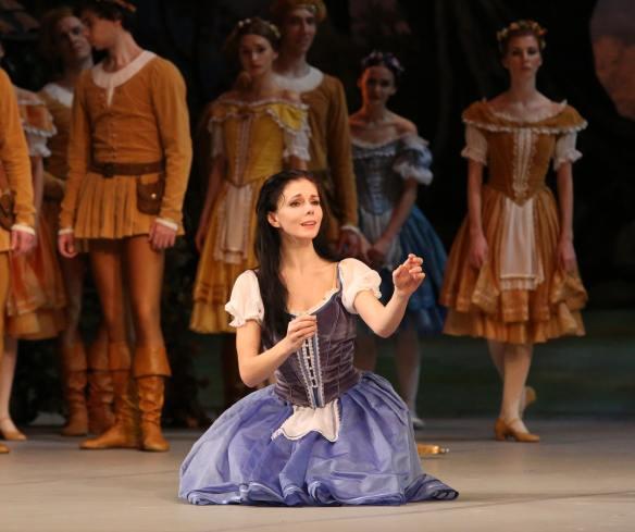 Natalia-Osipova-Mikhailovsky-Ballet-Giselle-11-11-14W