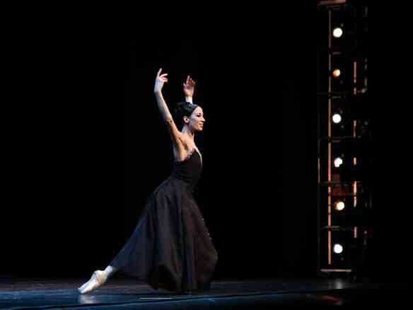 Viktoria-Tereshkina-Mariinsky-In-the-Night-1-24-15