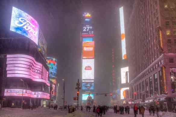 Times Square snowstorm1-2
