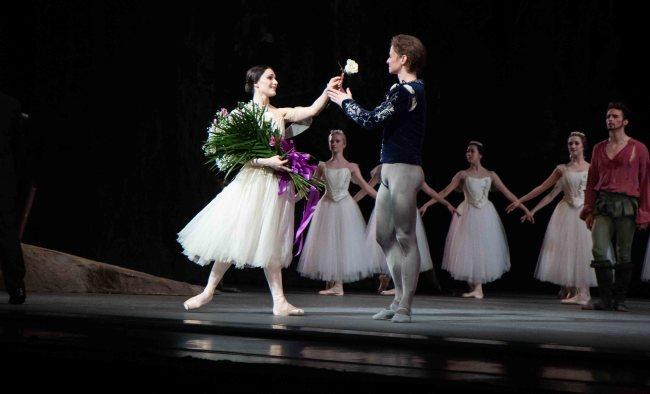 Sarah Lane and Daniil Simkin Sparkle in Giselle Wednesday