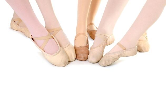 83abf5899ef6 Choosing ballet slippers for dance class - BALLET FOREVER