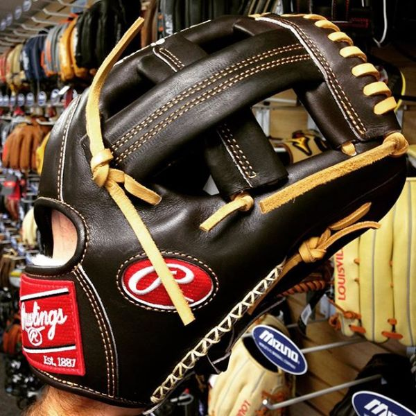 Rawlings Gold Glove Club October