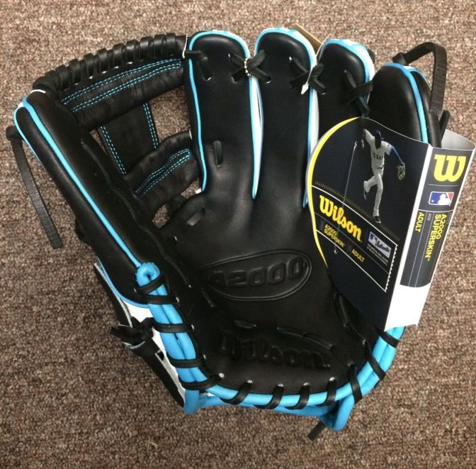Wilson Glove of the Month October