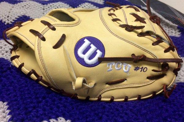 TCU's Wilson Gloves: Blonde CM33