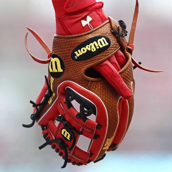 Brandon Phillips' Glove: Wilson A2K DATDUDE
