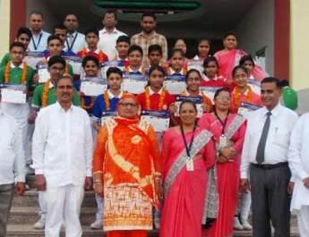 आशा देवी इंटरनेशनल स्कूल की प्रतिभाएं सम्मानित