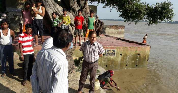 बिल्थरारोड, मनियर, रेवती, बैरिया में दर्जन भर से अधिक गांवों में पहुंचा घाघरा का पानी