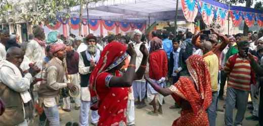 ददरी मेला में मंगलवार को होगी आदिवासी गोंड़ऊ नृत्य सांस्कृतिक प्रतियोगिता