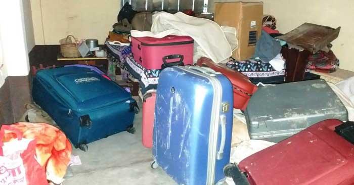 सिकंदरपुरः मकान व दुकान का दरवाजा तोड़ चोरों ने लाखों का माल पार किया